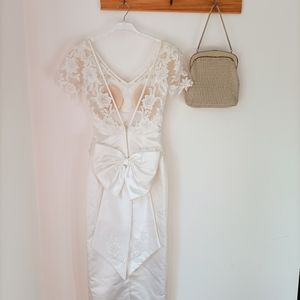 Vintage Peter Trends wedding dress bow lace pearls